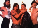 "Red Hot Chili Peppers, zleva Chad Smith, Anthony Kiedis, Michael ""Flea"" Balzary, John Frusciante, zač. 90. let"