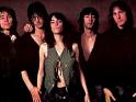 Patti Smith Group,, zleva Ivan Kral, Lenny Kaye, Patti Smith, Bruce Brody, Jay Dee Daugherty, 1978