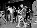"""Jedni z """"hnutí hardcoreového odporu"""" - Circle Jerks, odzadu Roger Rogerson, Keith Morris, Greg Hetson, zač. 80. let"""
