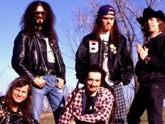 Faith No More, zleva Billy Gould, Jim Martin, Mike Bordin, Mike Patton, Roddy Bottum, cca 1989-90