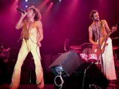 The Who live, v popředí Roger Daltrey a Pete Townshend 1969