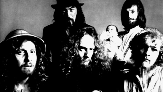 Jethro Tull, zleva John Evan, Jeffrey Hammond-Hammond, Ian Anderson, Barriemore Barlow a Martin Barre, cca  1. pol. 70. let