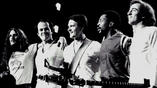 The Mahavishnu Orchestra, zleva Jerry Goodman, Jan Hammer Jr., John McLaughlin, Billy Cobham, Rick Laird, 1972-3