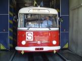 Trolejbus Škoda 9tr v myčce