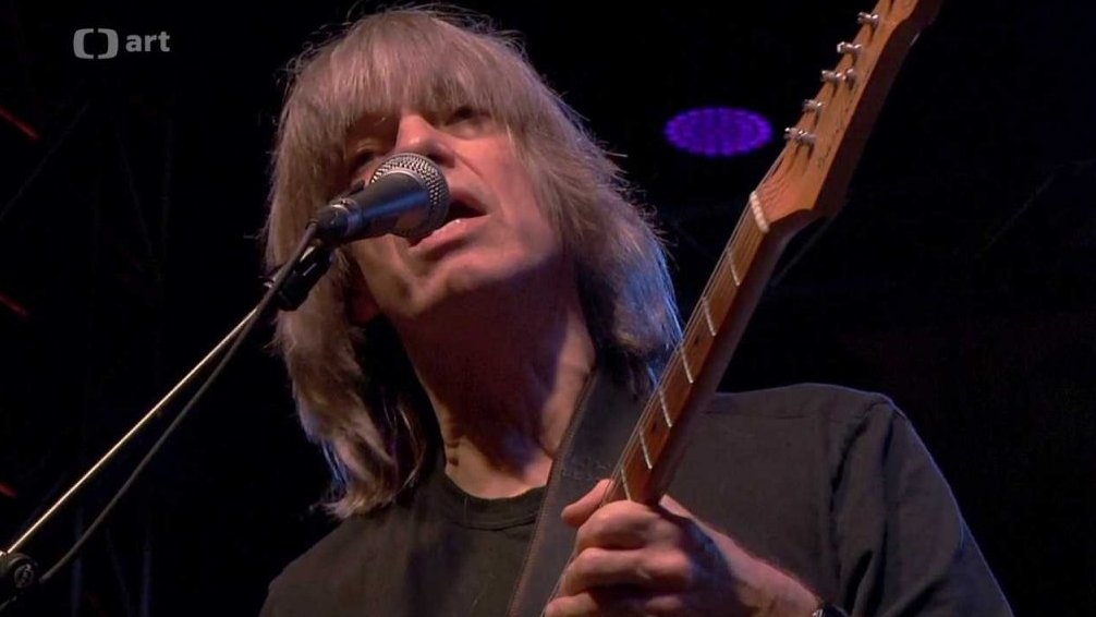 Linka: Mike Stern