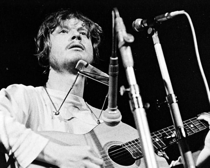Country zpěvák datuje americký idol