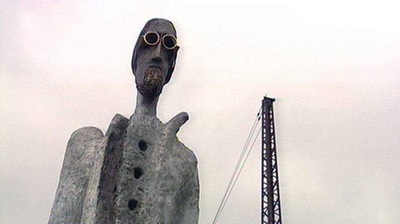 socha s velkým penisem