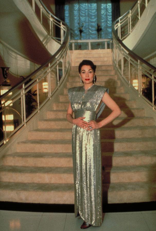 ... třicátých a čtyřicátých letech nekorunovanou královnou filmového  plátna 170f6873e6