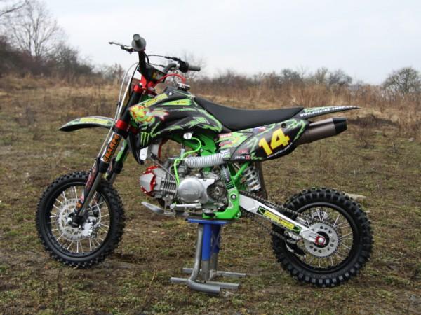 cccf32de521 Motocykly — Auto Moto Revue — Česká televize